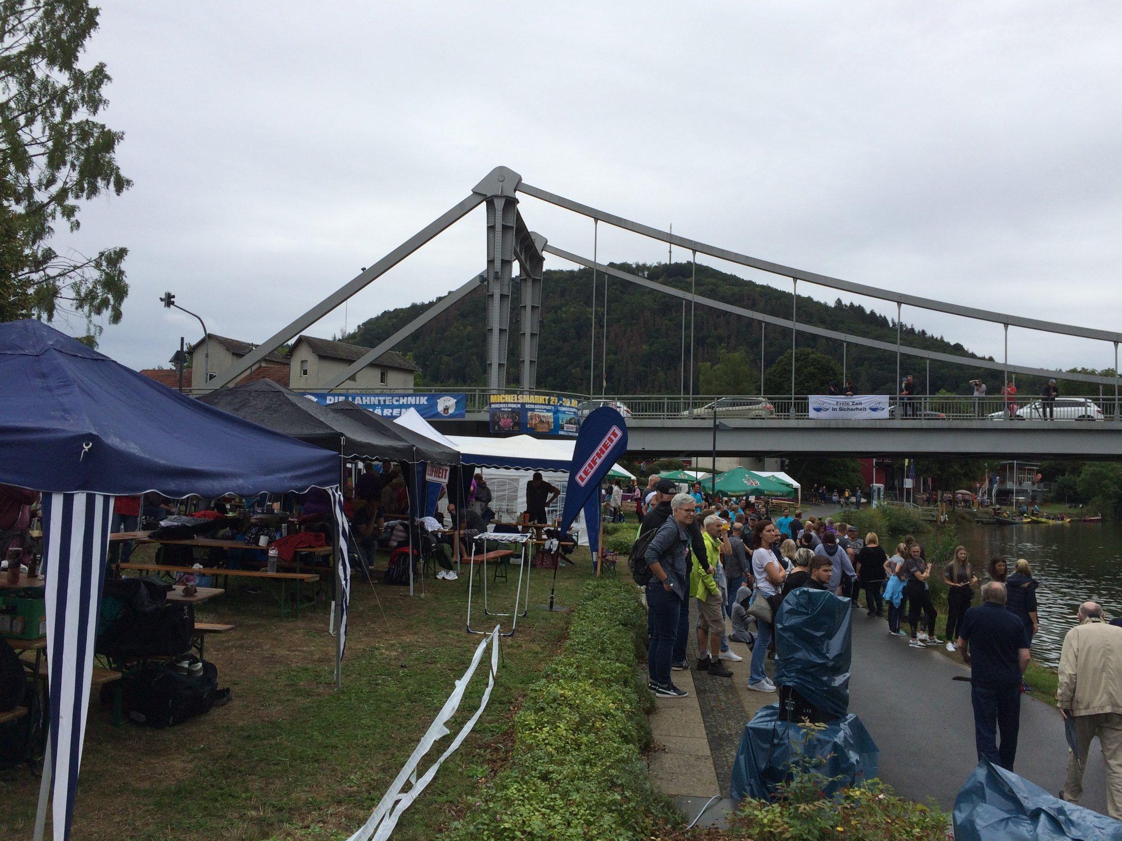 Zieleinlauf unter der Brücke