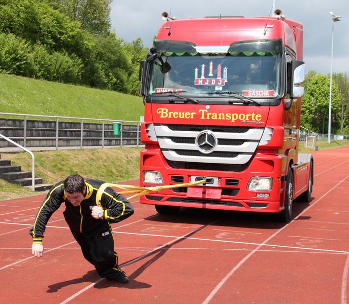 Jubi2012 Truck-pull-01-024
